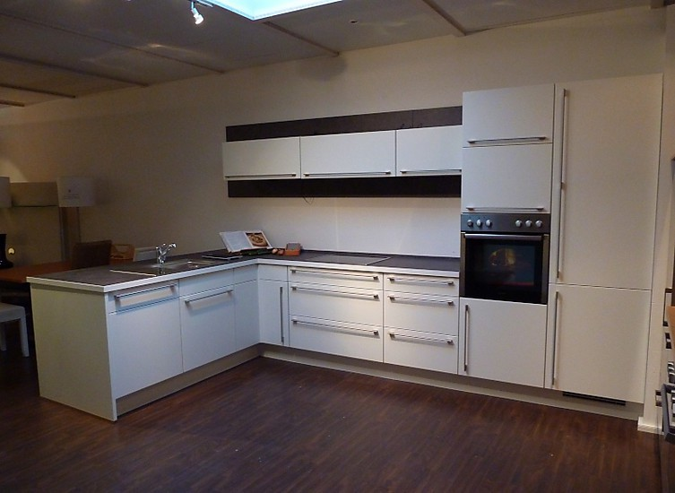 kuche lack matt weis die neuesten innenarchitekturideen. Black Bedroom Furniture Sets. Home Design Ideas