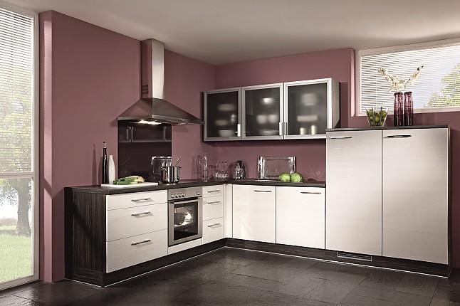 brigitte musterk che klassisch sch ne k chenzeile mit viel stauraum inkl vollglas oberschr nke. Black Bedroom Furniture Sets. Home Design Ideas