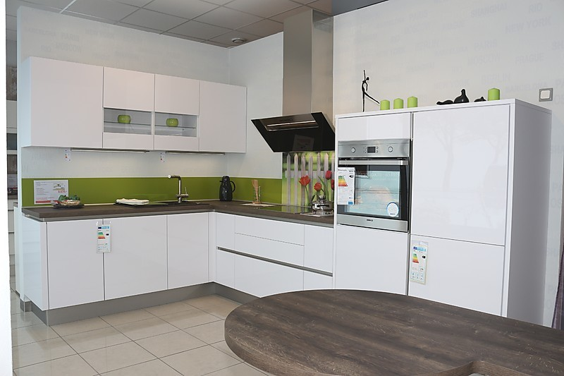 Nobilia focus premiumweiß ultra hg moderne grifflose l küche mit
