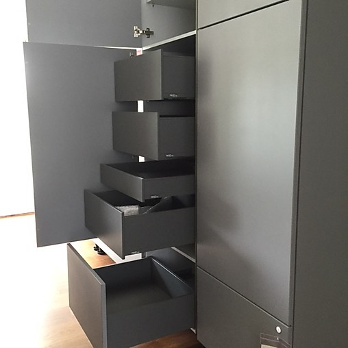 next125 musterk che moderne wohnk che mit keramik. Black Bedroom Furniture Sets. Home Design Ideas