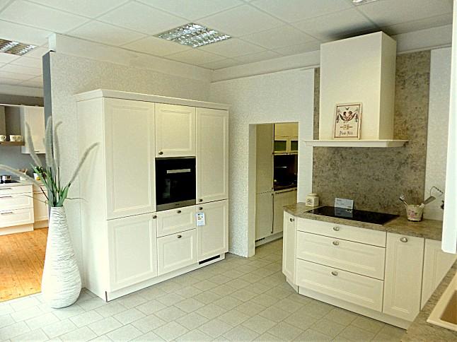 nolte musterk che sehr sch ne landhausk che in l form ausstellungsk che in delmenhorst von. Black Bedroom Furniture Sets. Home Design Ideas