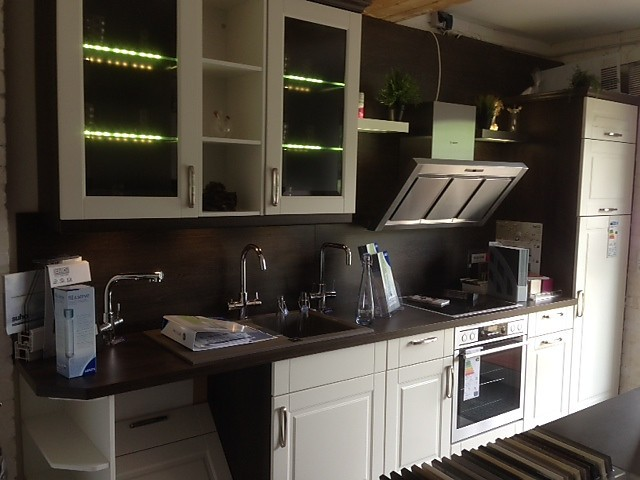 nobilia musterk che wundersch ne landhausk che ausstellungsk che in von. Black Bedroom Furniture Sets. Home Design Ideas