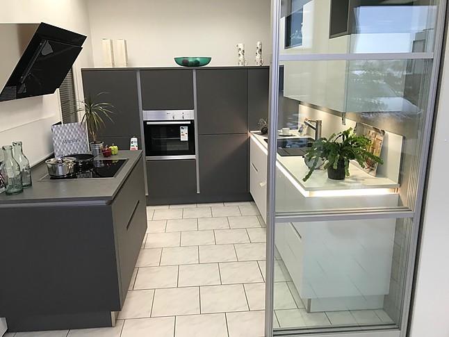 Nolte-Musterküche Grifflose Glas Küche zum gigantischen ...
