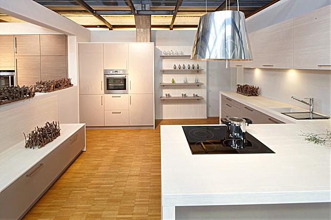 sch ller musterk che abverkaufsk che nova ausstellungsk che in k ln bayenthal von k chen loft. Black Bedroom Furniture Sets. Home Design Ideas