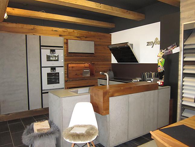 zeyko musterk che stucco hell kombiniert mit eiche altholz ausstellungsk che in lottstetten von. Black Bedroom Furniture Sets. Home Design Ideas