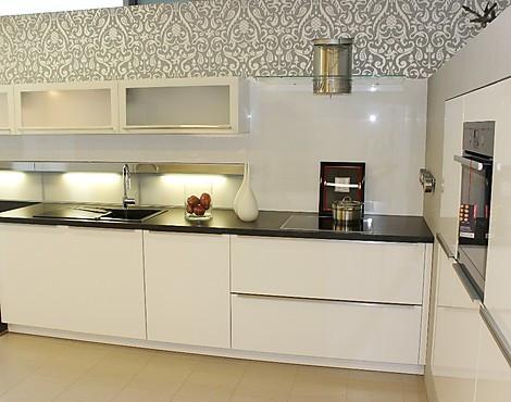 Musterkuchen borse kuchen mit hochglanzfronten im abverkauf for Glasspiegel küche