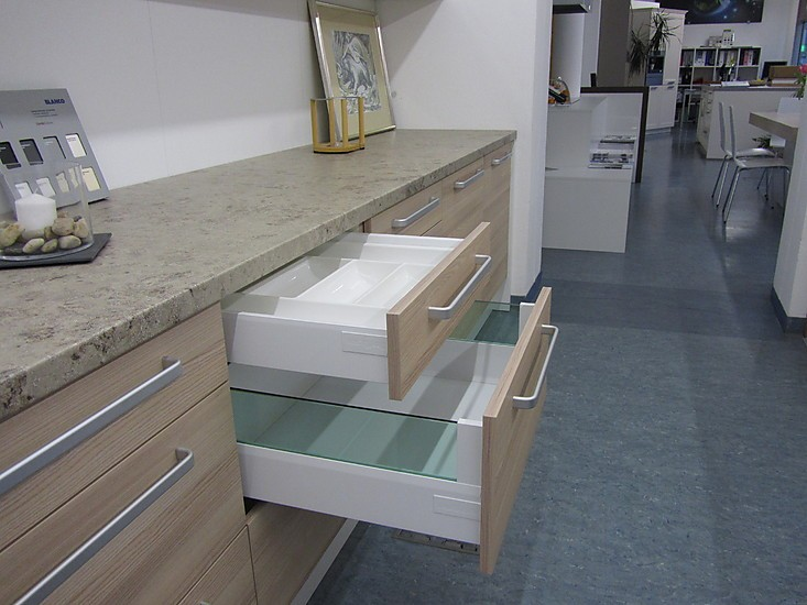 DAN Küchen Musterküche Hochwertige Küchenzeile 305cm