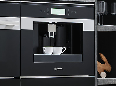 Einbau-Kaffeevollautomat von Bauknecht