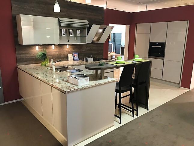 Xeno küchen xeno küche lack sand ultra hochglanz mit granitarbeitsplatte miele sowie bora xeno küche lack sand ultra hochglanz mit granitarbeitsplatte