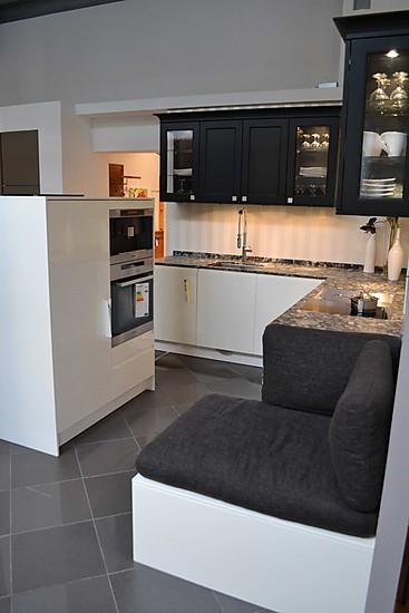 h cker musterk che koje 8 ausstellungsk che in eitensheim von wohn und k chendesign meyer gmbh. Black Bedroom Furniture Sets. Home Design Ideas