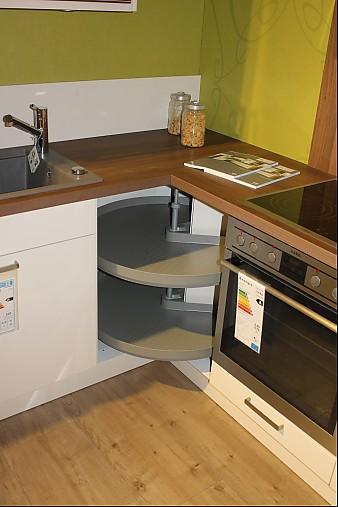 h cker musterk che klassisch l form ausstellungsk che in. Black Bedroom Furniture Sets. Home Design Ideas