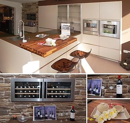 Blick in die Küchen-Ausstellung