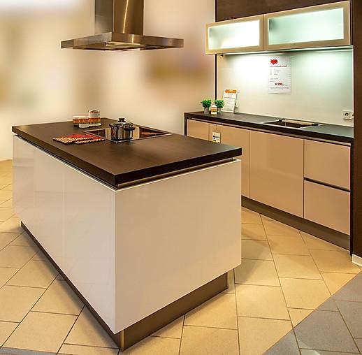 Häcker-Musterküche Moderne Grifflose Küche In Glänzend