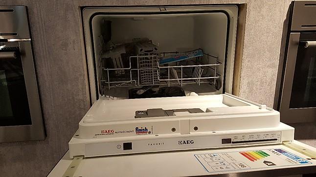 sp lmaschine f 55200 vio geschirrsp ler aeg k chenger t von m bel buhl fulda in fulda. Black Bedroom Furniture Sets. Home Design Ideas