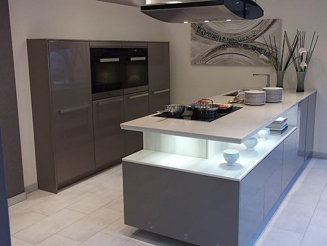 Häcker-Musterküche Moderne Küche mit Kochinsel und ...