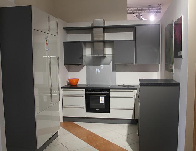 cube musterk che modern und spritzig zum kleinen preis ausstellungsk che in bach palenberg. Black Bedroom Furniture Sets. Home Design Ideas