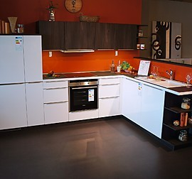 alno musterk che tolle l k che vom markenhersteller alno ausstellungsk che in bach palenberg. Black Bedroom Furniture Sets. Home Design Ideas