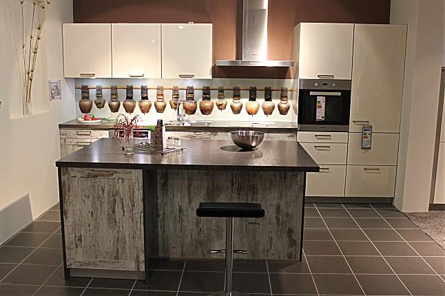 sch ller musterk che abverkauf in landsberg ausstellungsk che in landsberg am lech von. Black Bedroom Furniture Sets. Home Design Ideas