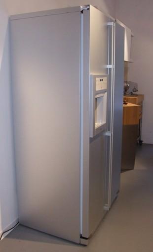 k hlschrank rs495 330 k hl und gefrierkombination freistehend aluminium gaggenau k chenger t. Black Bedroom Furniture Sets. Home Design Ideas