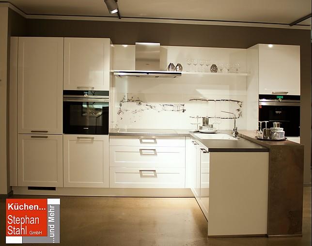 Bauformat küchen  bauformat-Musterküche Moderne Küche mit Halbinsel ...