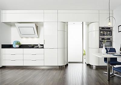 Runde Küche in Weiß