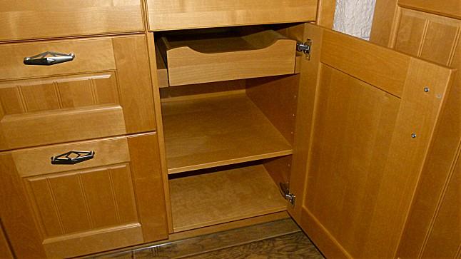 leicht musterk che echtholz birke kirchbaumfarbig ausstellungsk che in von. Black Bedroom Furniture Sets. Home Design Ideas