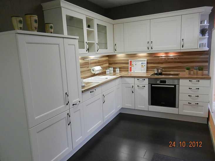 Kitchen nobilia .....love the wood splash back something different ... | {Nobilia küchen magnolia matt 1}