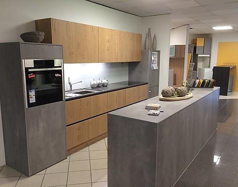 Moderne grifflose küche spachtelbeton wildeiche hell av 1070 spachtelbetonoptik perlgrau av 5082 wildeiche