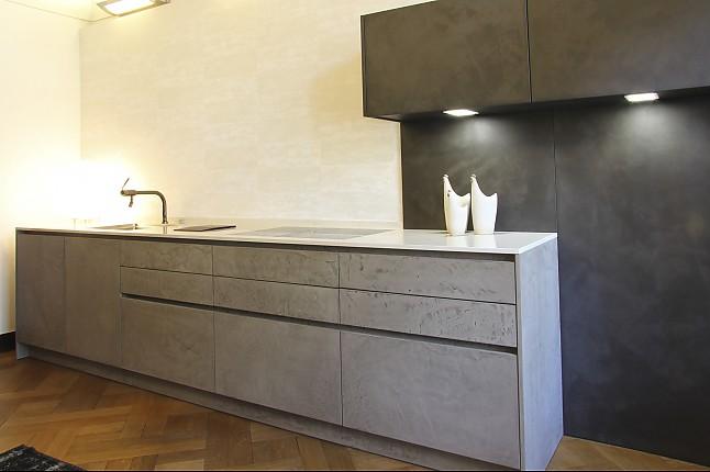 eggersmann musterk che grifflose k che in beton. Black Bedroom Furniture Sets. Home Design Ideas