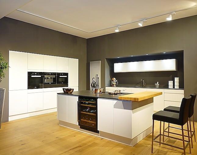 sch ller musterk che faszinierende vollausstattung muldenl ftung fl cheninduktion pyrolyse. Black Bedroom Furniture Sets. Home Design Ideas