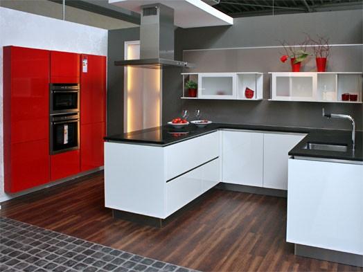 Inpura-Musterküche Moderne U-Küche mit Nischenverkleidung zum ...