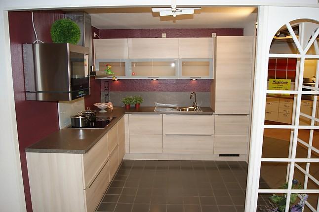 burger musterk che cora 247 ausstellungsk che in weinb hla von der neue h lsbusch. Black Bedroom Furniture Sets. Home Design Ideas