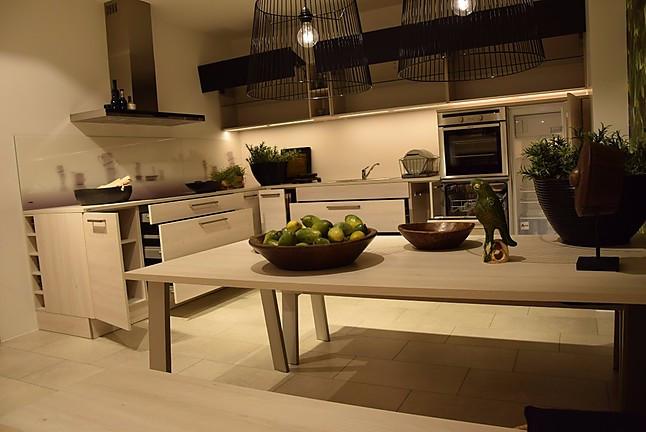 nolte musterk che einbauk che l form nolte lack schwarz softmatt und kiruna birke. Black Bedroom Furniture Sets. Home Design Ideas