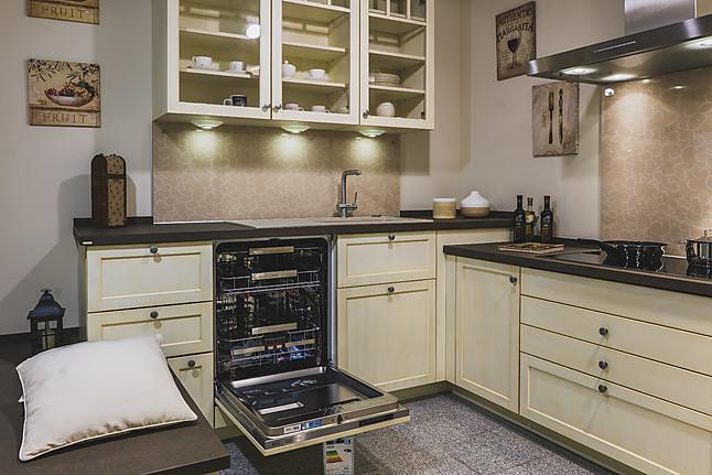 bax musterk che ein landhaustraum ausstellungsk che in wiesbaden von k che herweck. Black Bedroom Furniture Sets. Home Design Ideas