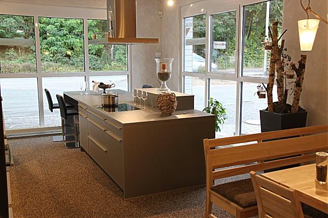 Leicht musterkuche offene 2 farbige kuche mit grosser for Wasserarmatur küche