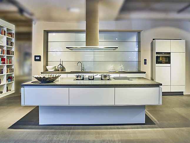 next125 musterk che designk che mit gro er kochinsel. Black Bedroom Furniture Sets. Home Design Ideas