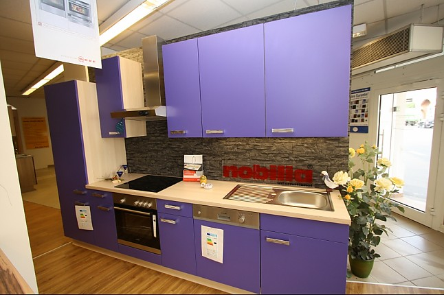 nobilia musterk che musterk che nobilia speed in violettblau korpus und arbeitsplatte in. Black Bedroom Furniture Sets. Home Design Ideas