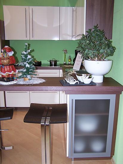 ballerina musterk che k che in magnolia mit stil ausstellungsk che in berherrn von genau meine. Black Bedroom Furniture Sets. Home Design Ideas