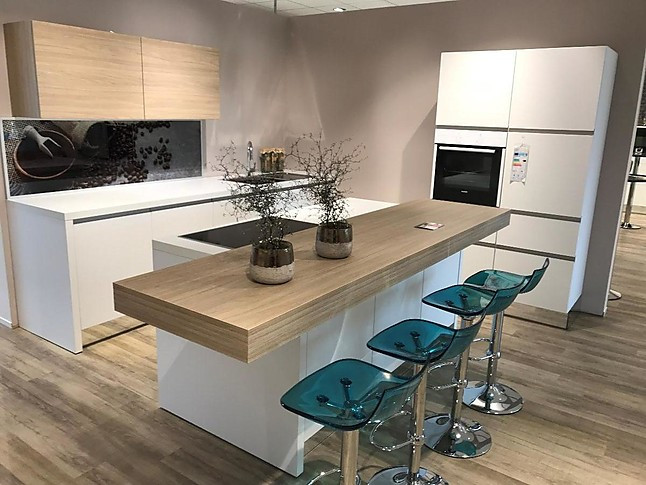 Nolte-Musterküche Moderne, grifflose Küche mit Insel und ...