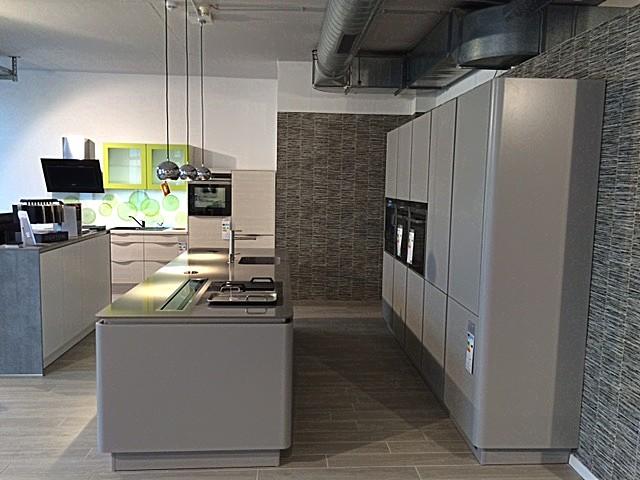next125 musterk che next 125 ausstellungsk che in erfurt von k2 wohnkonzepte. Black Bedroom Furniture Sets. Home Design Ideas
