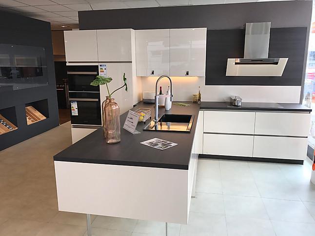 Hausmarke-Musterküche Moderne Küche mit Edelstahl
