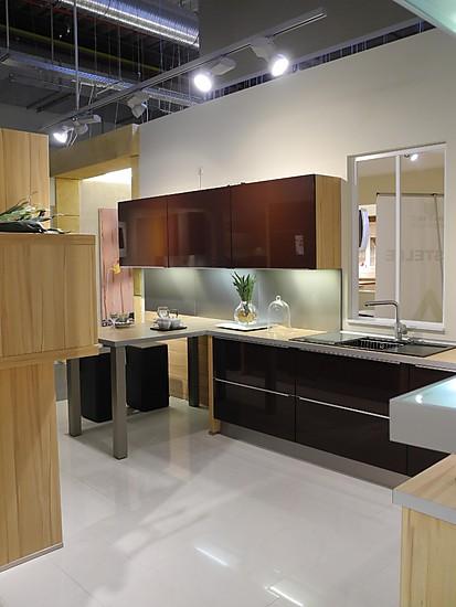 nobilia musterk che moderne hochglanzfront ausstellungsk che in voerde von wohnwelt fahnenbruck. Black Bedroom Furniture Sets. Home Design Ideas