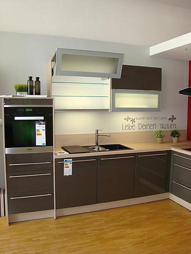 Omt Küchen artego musterküche moderne l küche mit lackfront ausstellungsküche