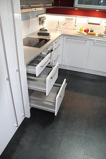 Häcker musterküche l küche ausstellungsküche in münchen von küchenstudio schaaf