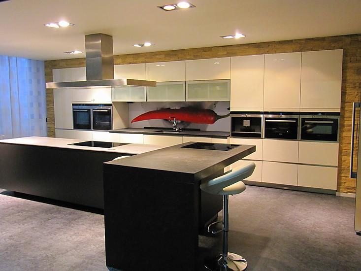 Schmidt Küchen Musterküche Grifflose Hochglanzlackküche