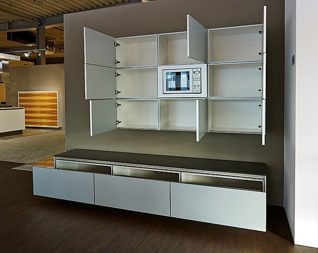 siematic musterk che wohnwand mit mikrowelle ausstellungsk che in nordhorn von k chenland ekelhoff. Black Bedroom Furniture Sets. Home Design Ideas