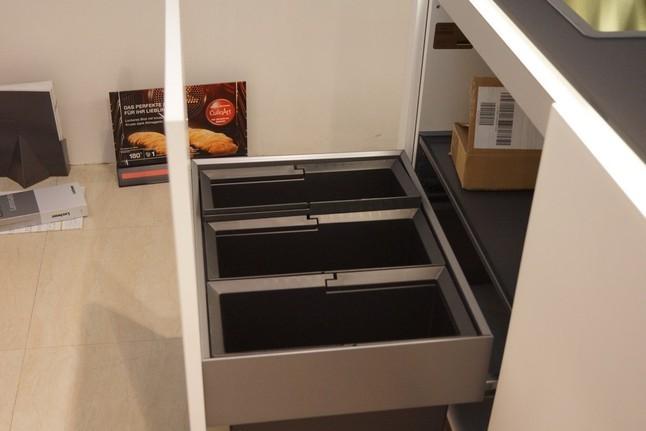 nolte musterk che nolte glas tec satin ausstellungsk che in mengen ennetach von k nig k chen. Black Bedroom Furniture Sets. Home Design Ideas