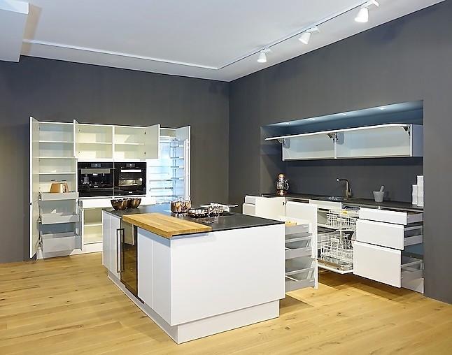 sch ller musterk che luxus vollausstattung mit highend kombidampfgarer spitzen kaffeeautomat. Black Bedroom Furniture Sets. Home Design Ideas