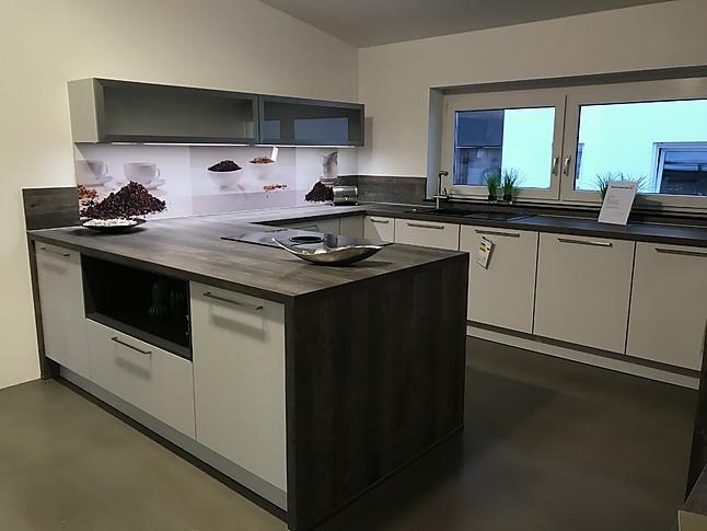 selektion d musterk che funktionale k che mit halbinsel zum kochen und farblich passender. Black Bedroom Furniture Sets. Home Design Ideas