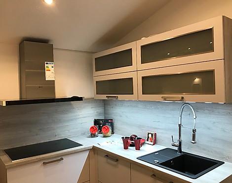 Moderne Küche   Front Baku 240